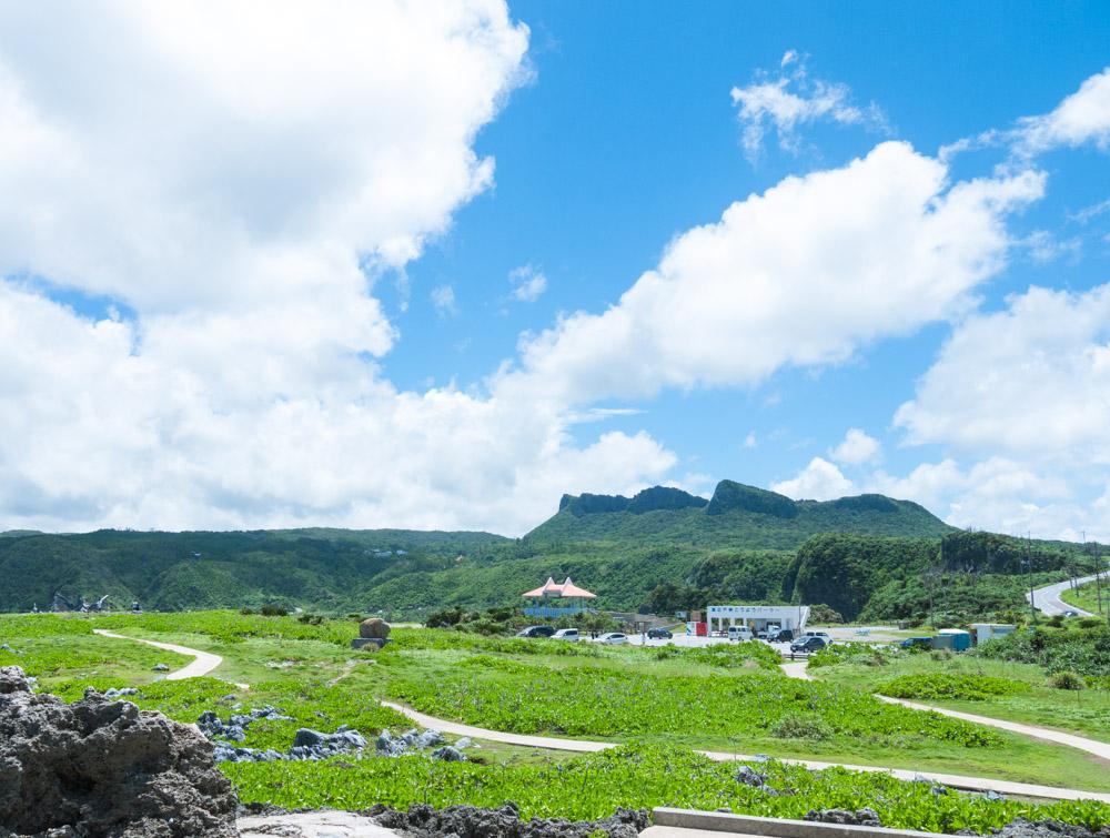辺戸岬のパーラーと遊歩道