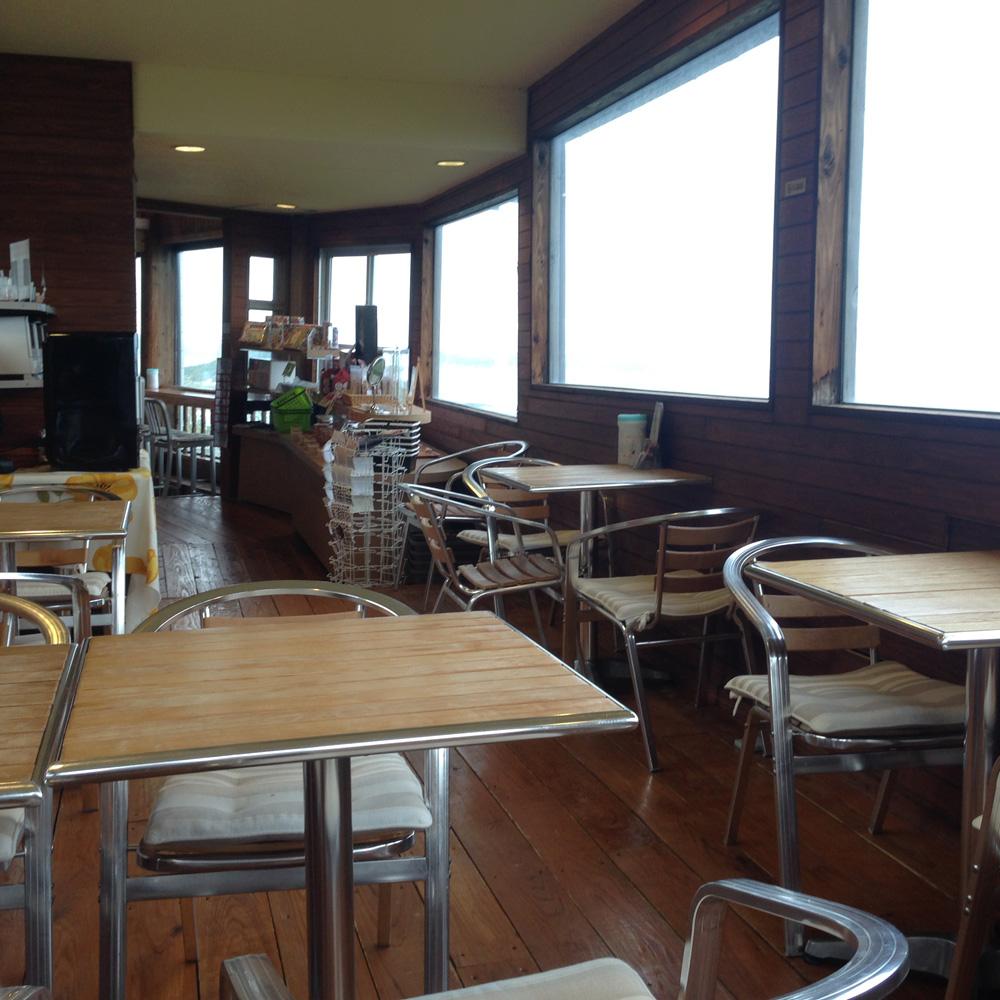 まんまるカフェの店内