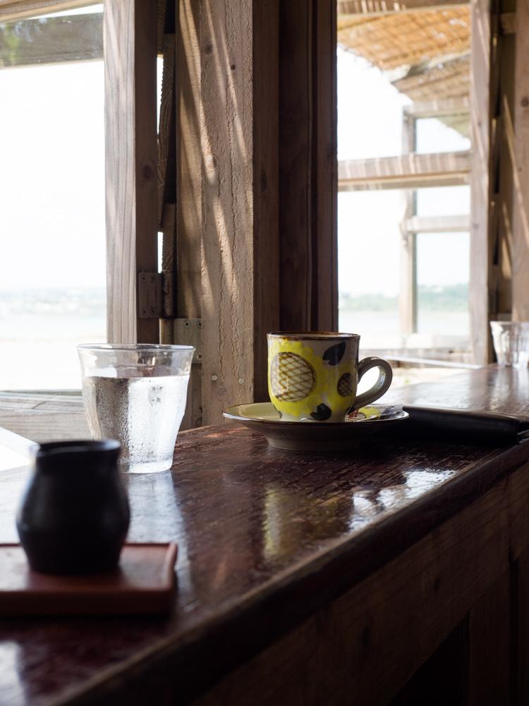 浜辺の茶屋でゆっくりカフェタイム