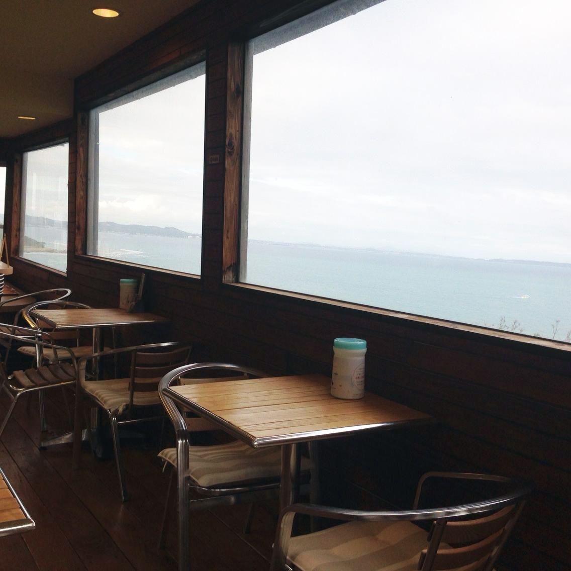 まんまるカフェは海が見える