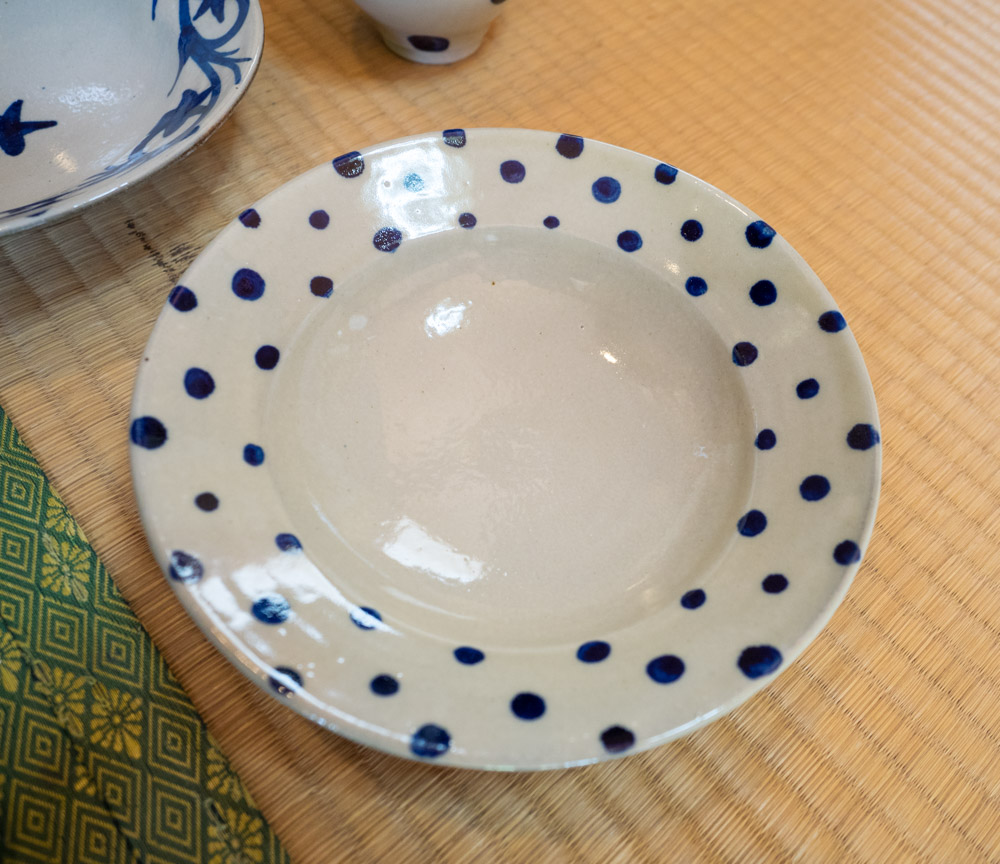やわらかな模様のお皿