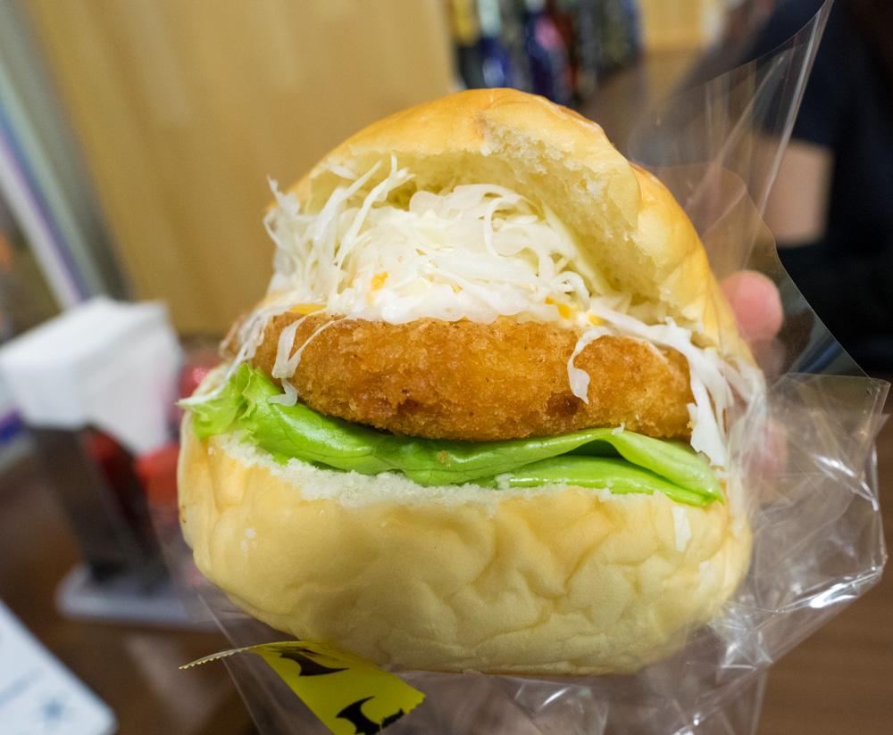 パン屋のフィッシュバーガー