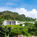 ホテル&カフェ「413はまひが」。離島の海辺にたたずむシンプルモダンな建築