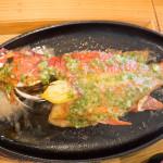 沖縄の魚が丸々1匹楽しめる、「糸満漁民食堂」