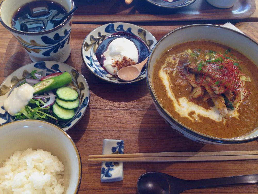 みやんちで沖縄そばを食べる