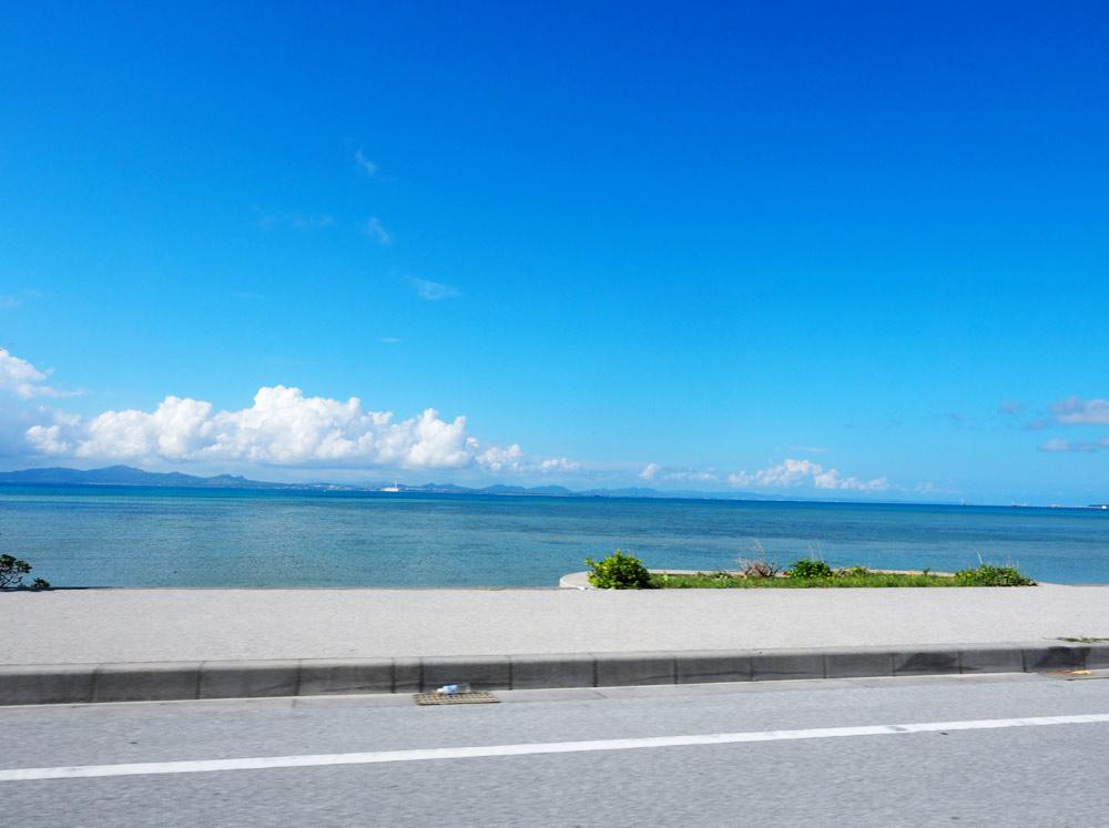海をみながら運転