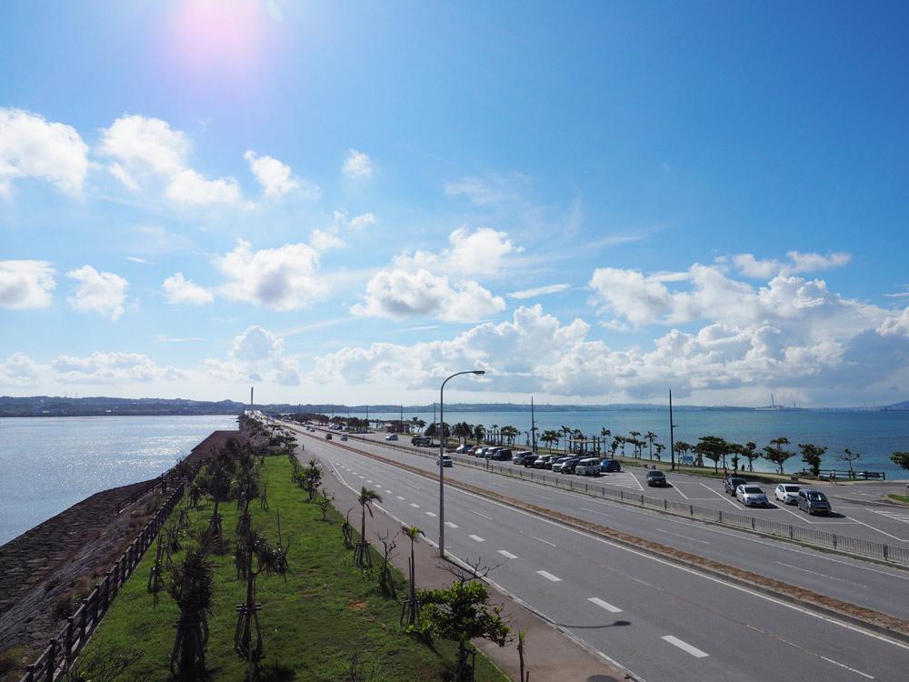 海中道路と海