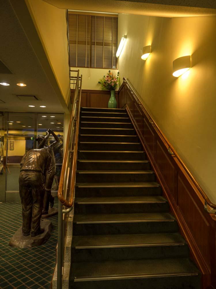 2階にあがる