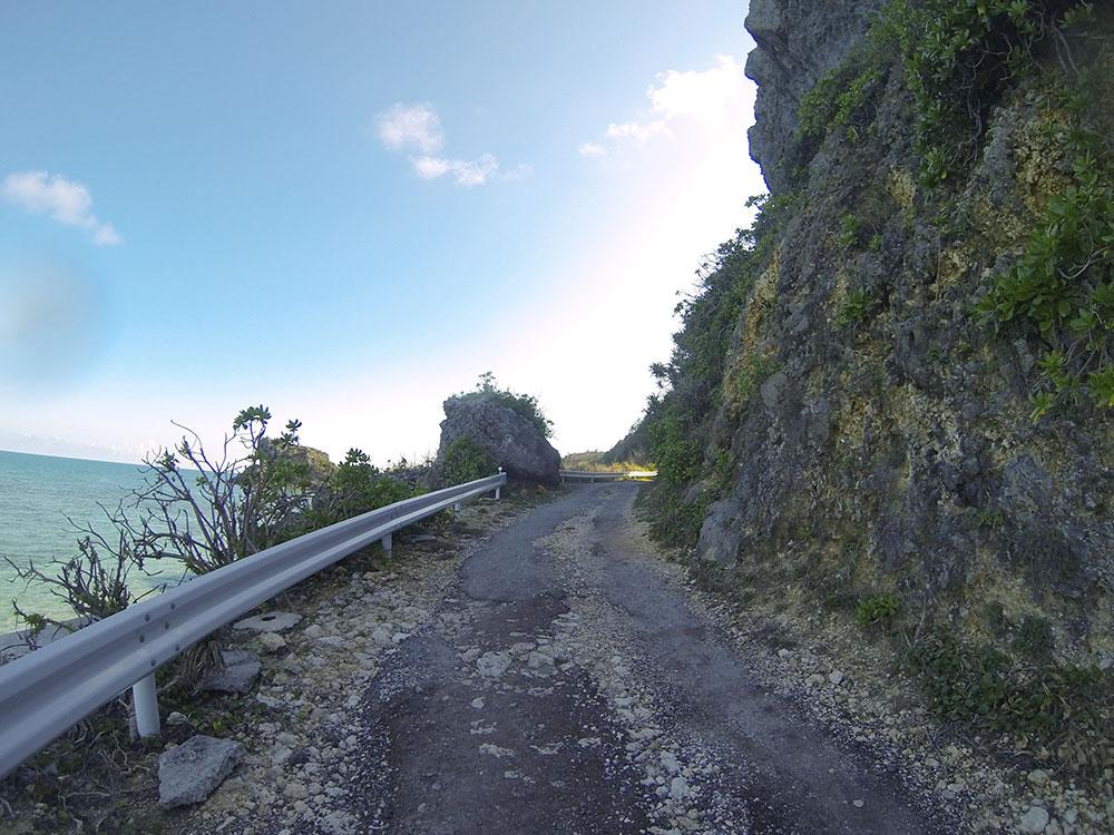 ムルク浜までの道
