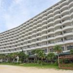 喜瀬ビーチパレス – ビーチまで30秒!お手頃価格で宿泊できるリゾートホテル