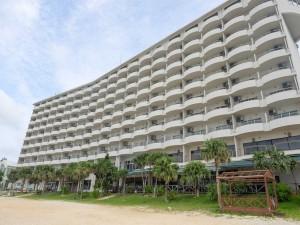 ビーチすぐのホテル