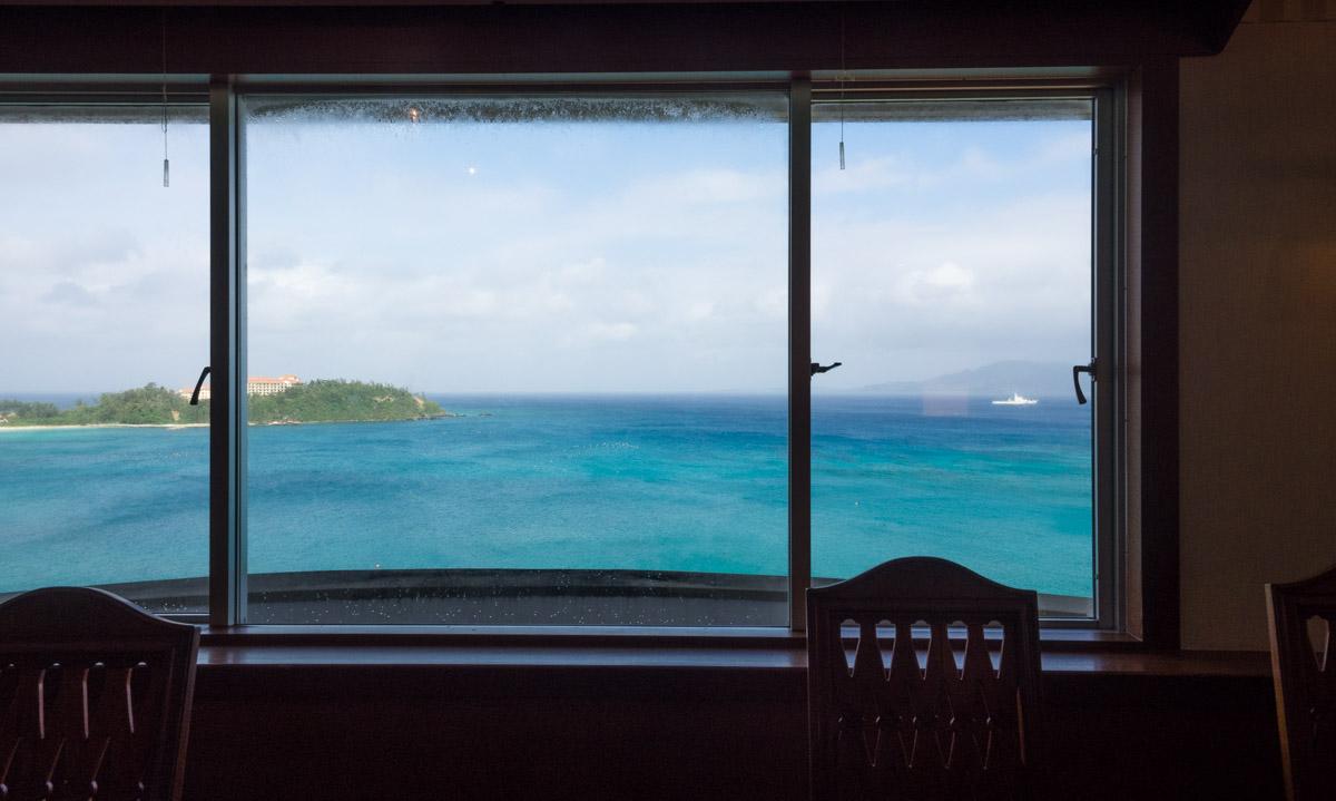 喜瀬ビーチパレスの朝食からの景色