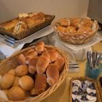 かねひで喜瀬ビーチパレス「朝食バイキング」。オーシャンビューから1日がスタート!