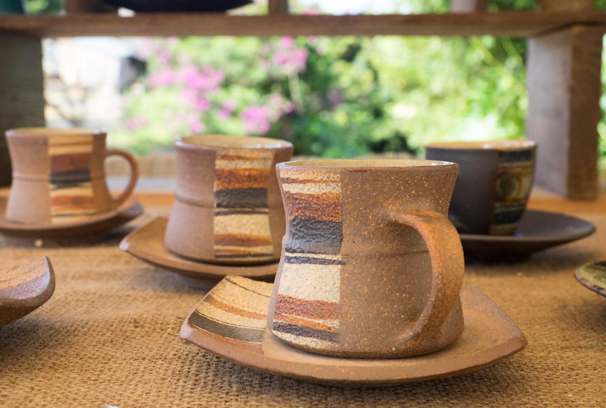くびれたコーヒーカップ