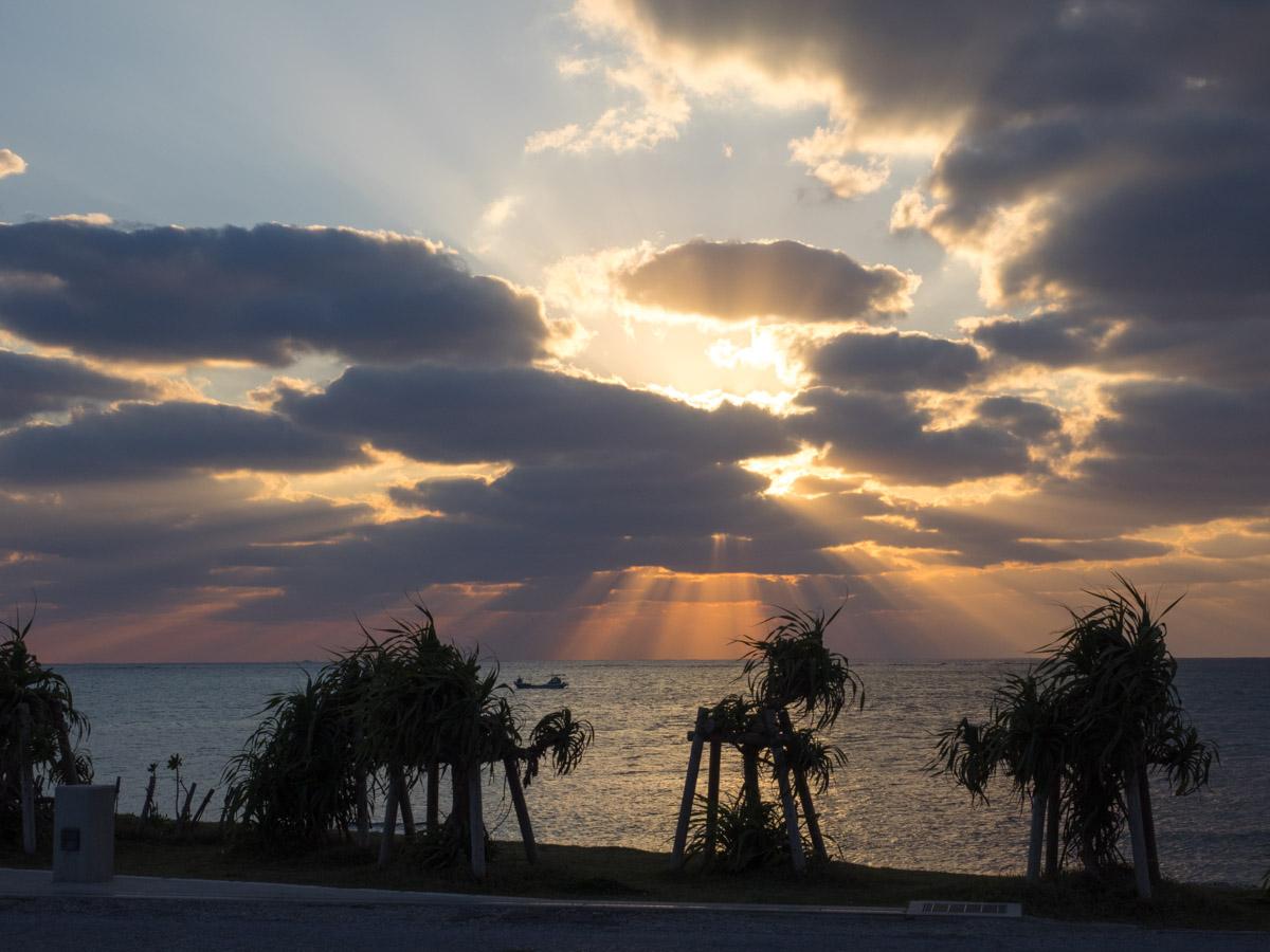 ウミカジテラスからの夕日