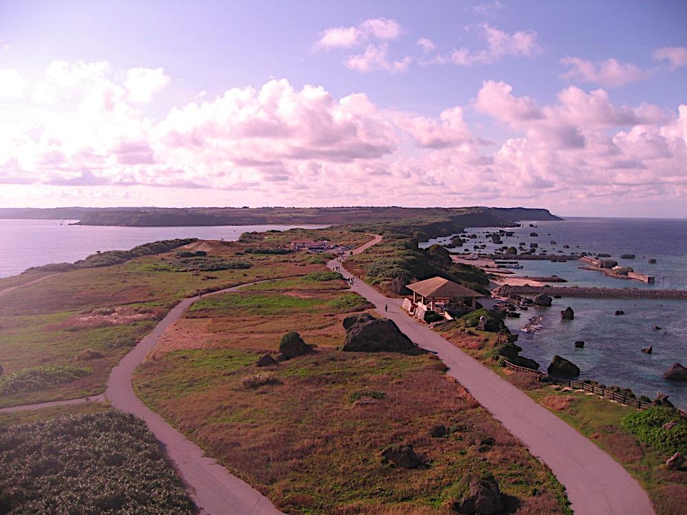 東平安名岬を散歩