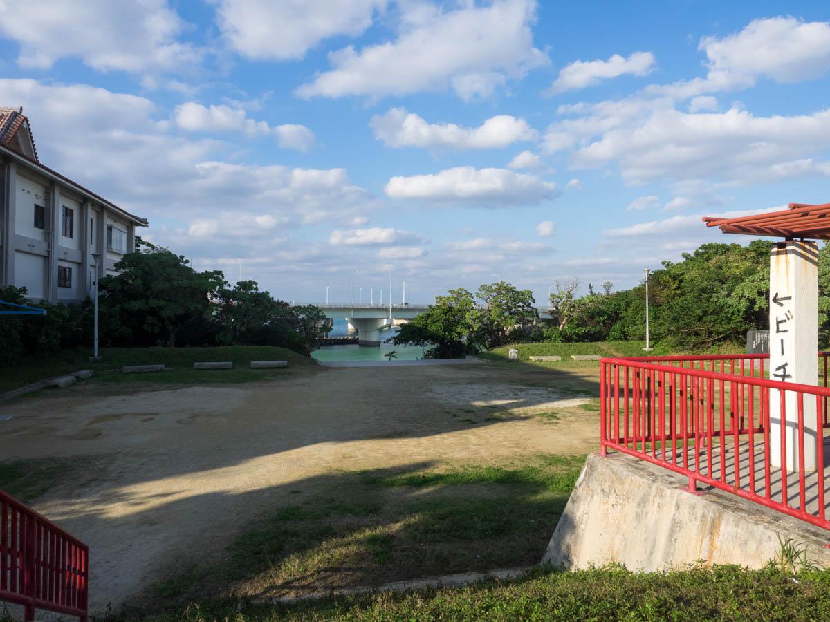 波上宮近くのビーチ