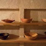 自然を遊ぶ、のびやかな器。「gallery.k」で、藤本健さんの木の器を見る