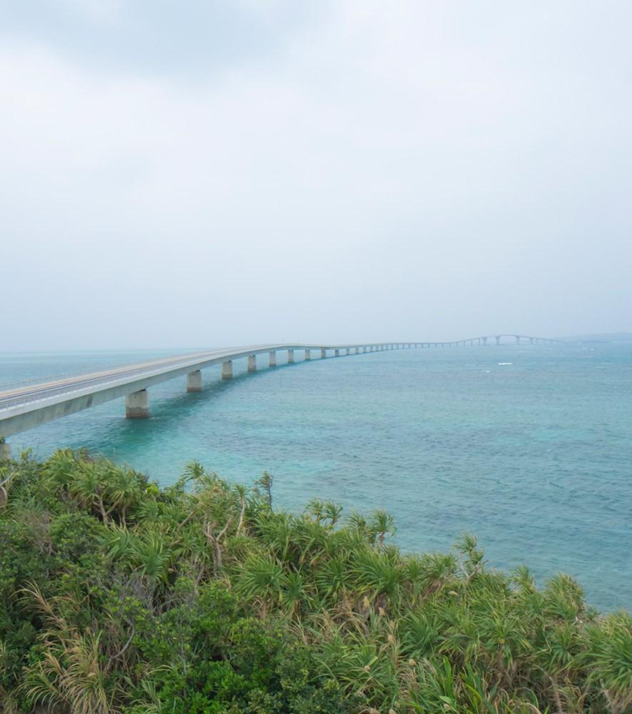 伊良部大橋の全景