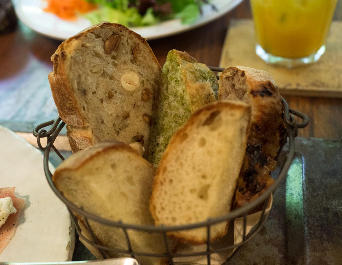 4種類のパン