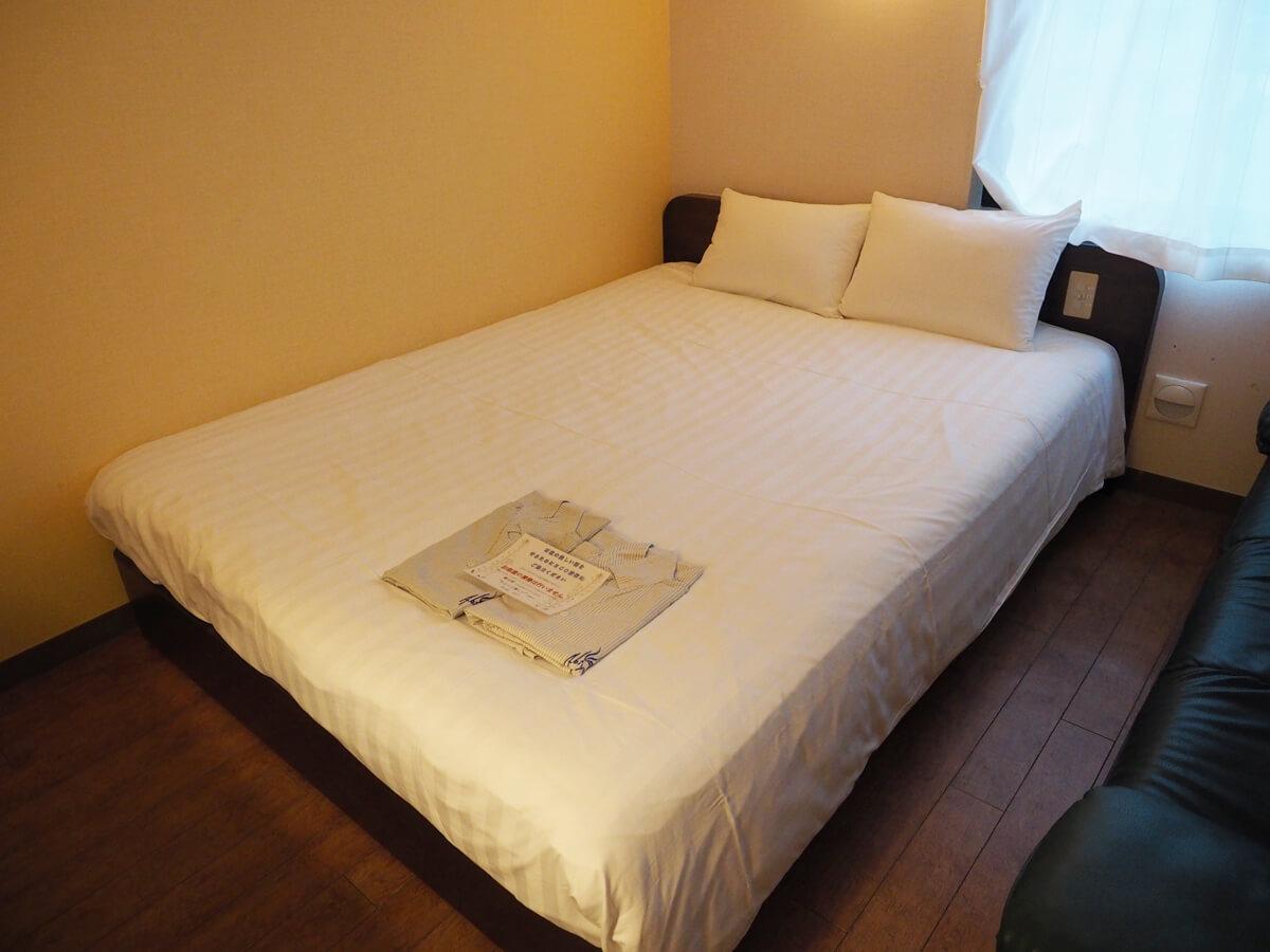 ワイドベッド