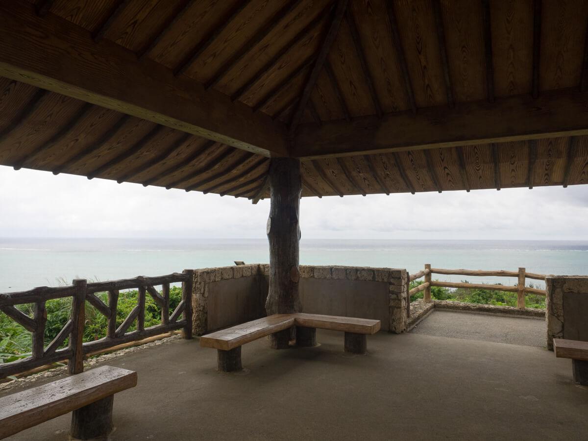 玉取崎展望台のベンチ