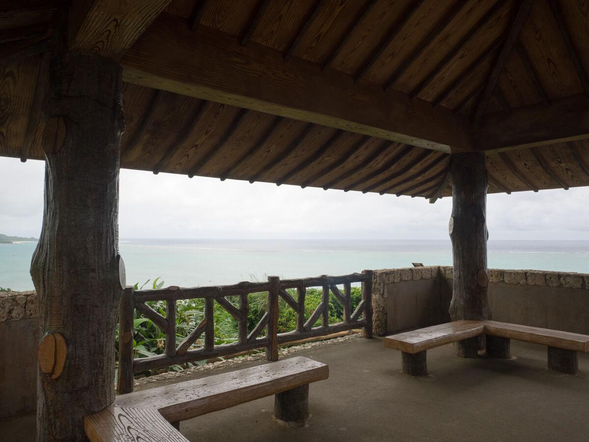 玉取崎展望台の左
