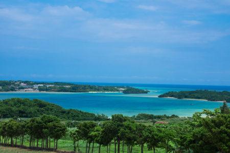 川平湾を見渡せるスポット
