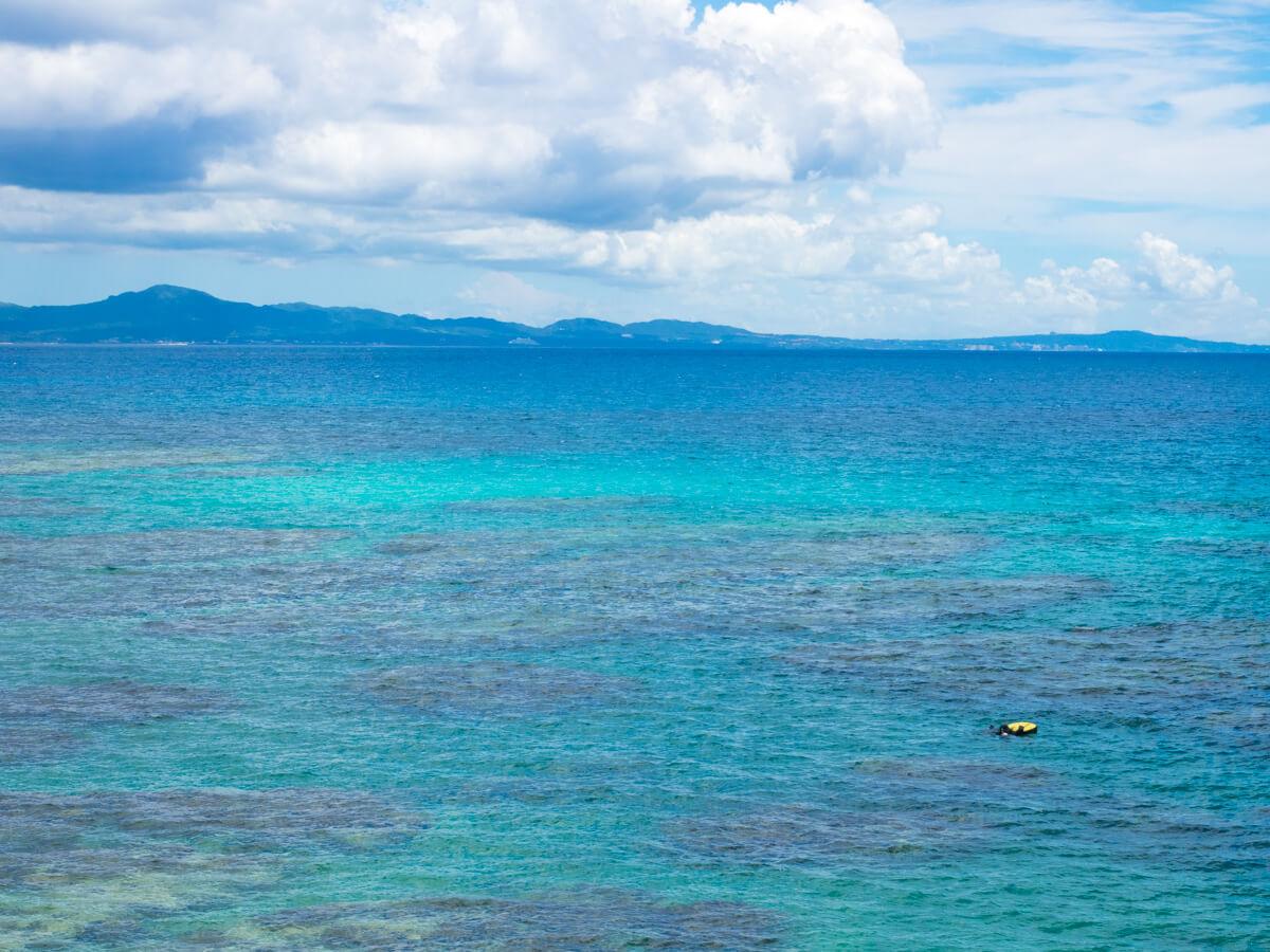 ゴリラチョップの海が透明