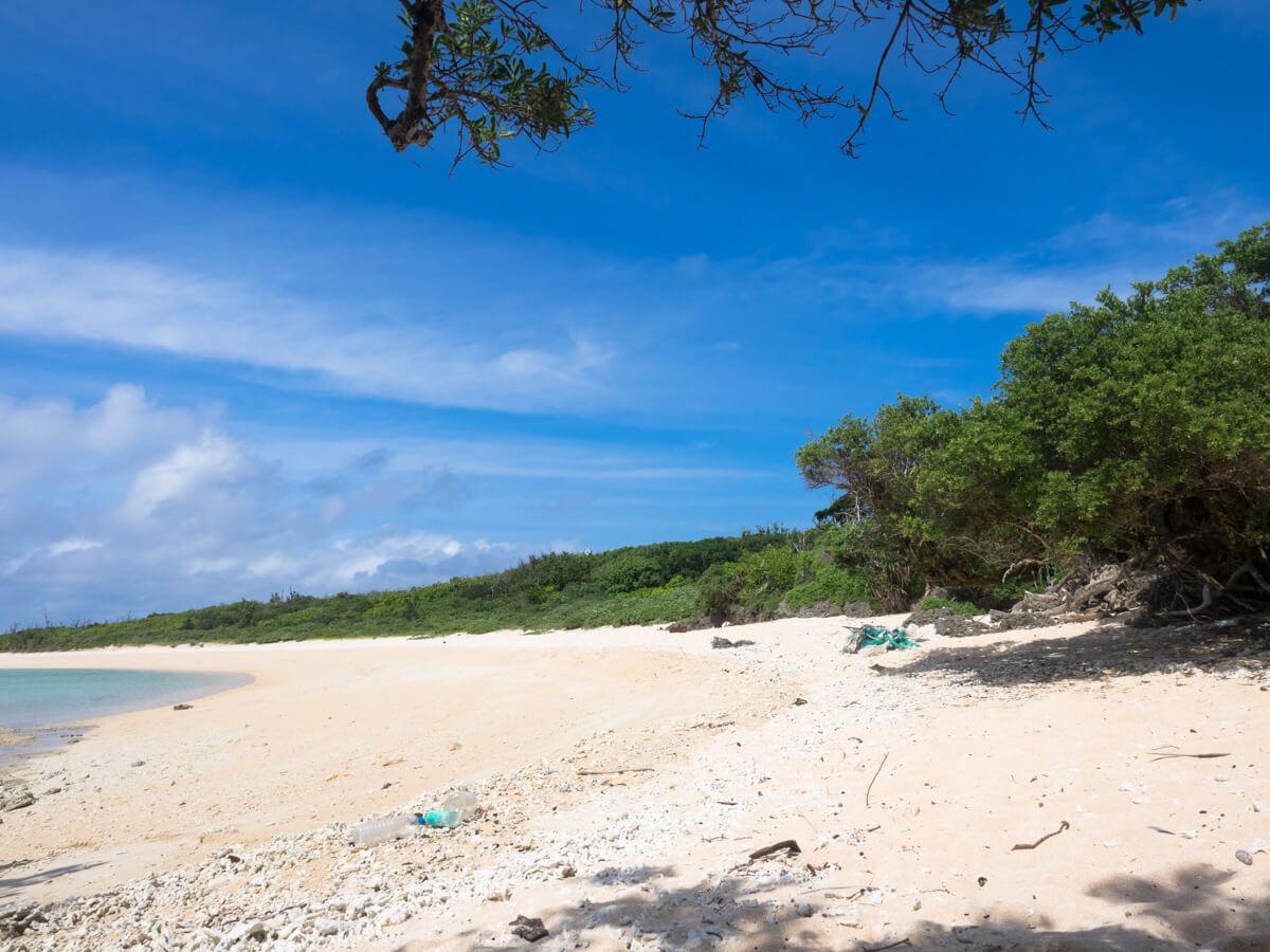 浜をずっと歩いていくとペー浜