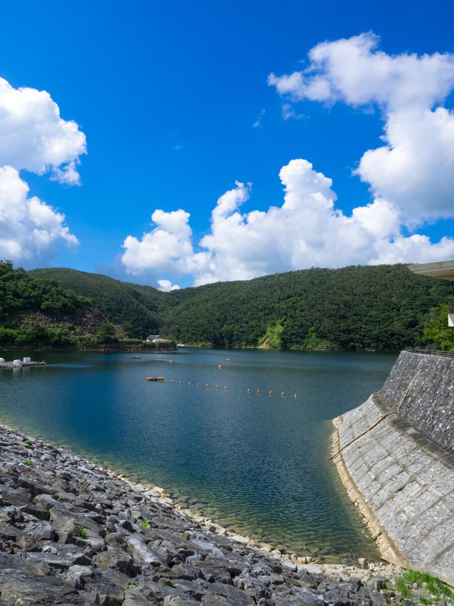 東村が誇る、沖縄最大のダム「福...