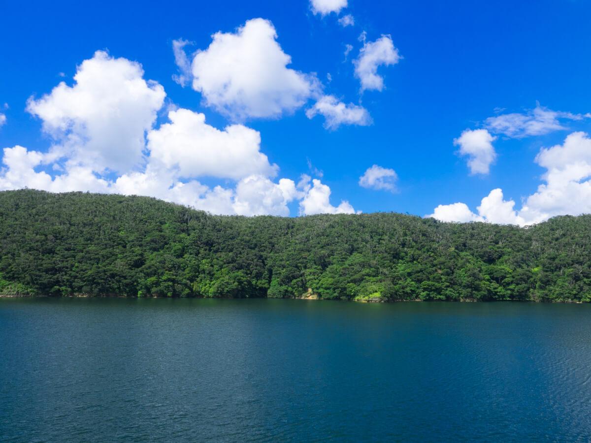 福地ダムは湖のよう
