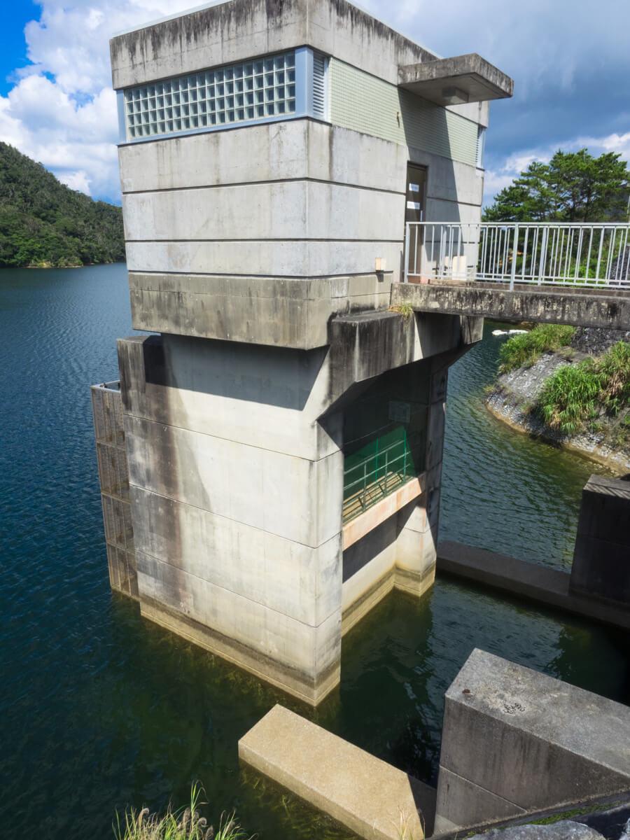 福地ダムの水