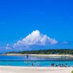 美ら海水族館すぐ近くの「エメラルドビーチ」。礁湖(ラグーン)内にある貴重なビーチ