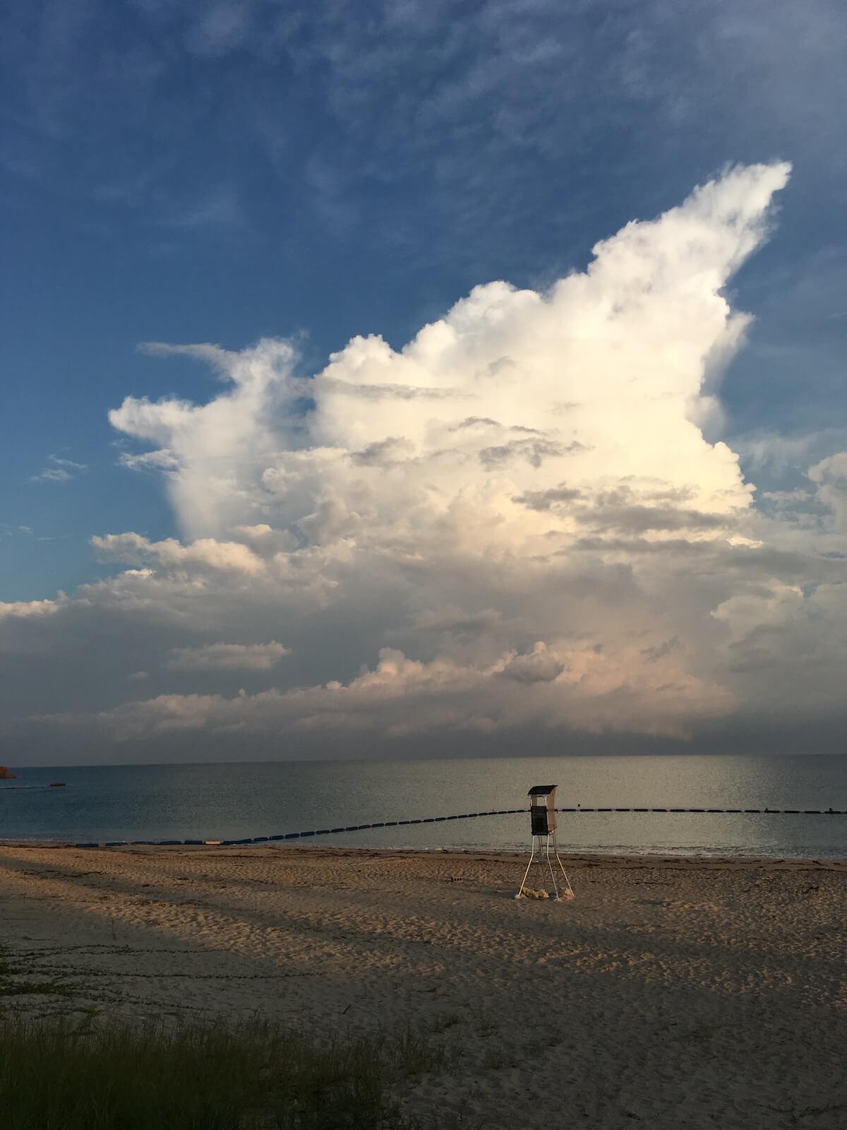東村のクラゲ防止ネットつきビーチ
