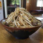 前田食堂のボリューム満点「牛肉そば」は、ほかでは味わえない刺激的な味だった