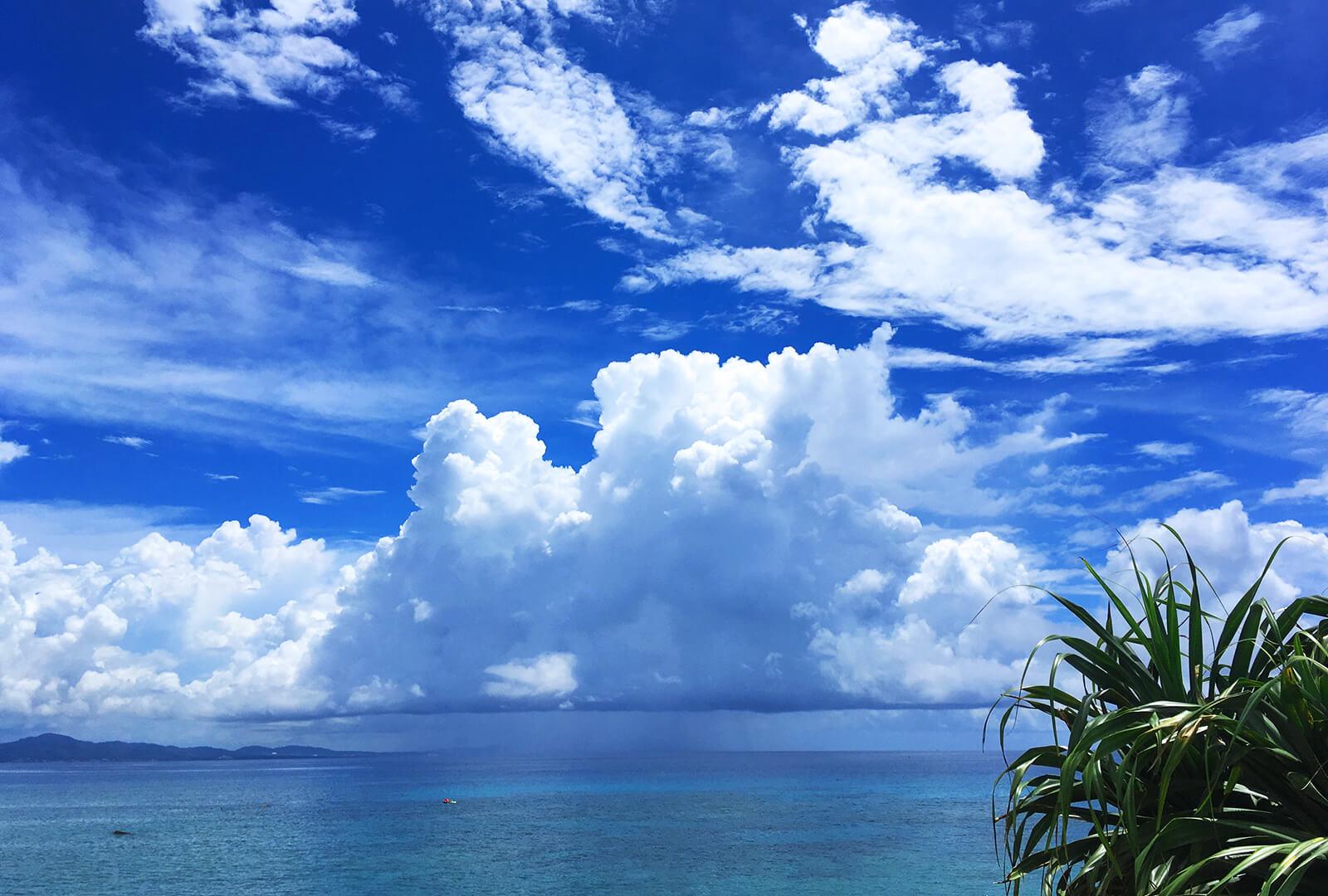 夏が似合う沖縄の海