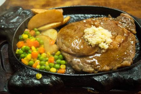 ガーリックの匂いが良いスペシャルステーキ