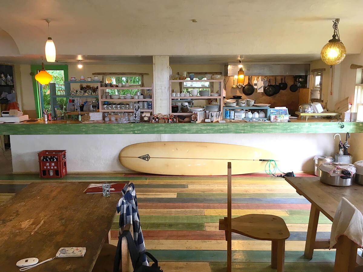 カフェ水母の店内、キッチン