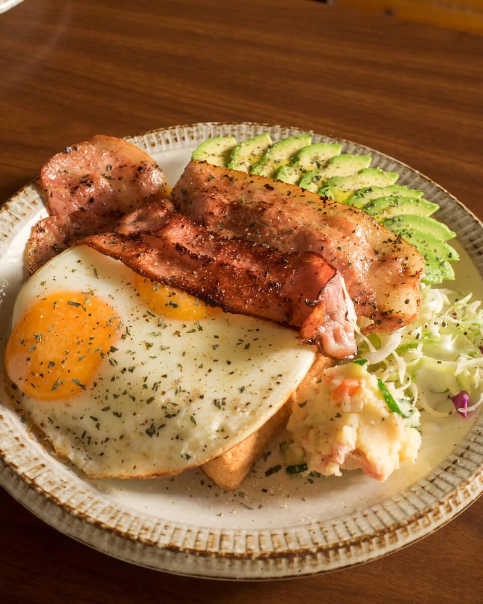 たっぷりの朝食が嬉しい