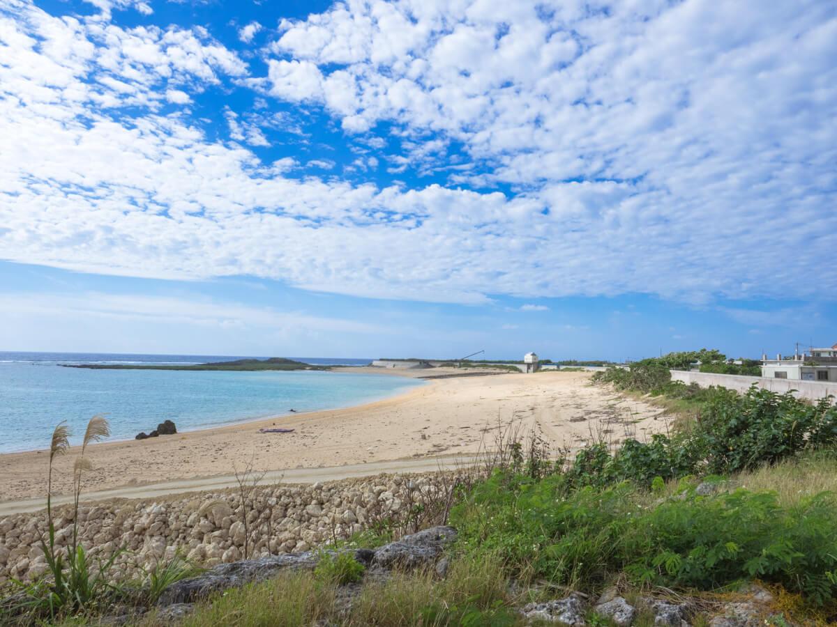 広い砂浜が