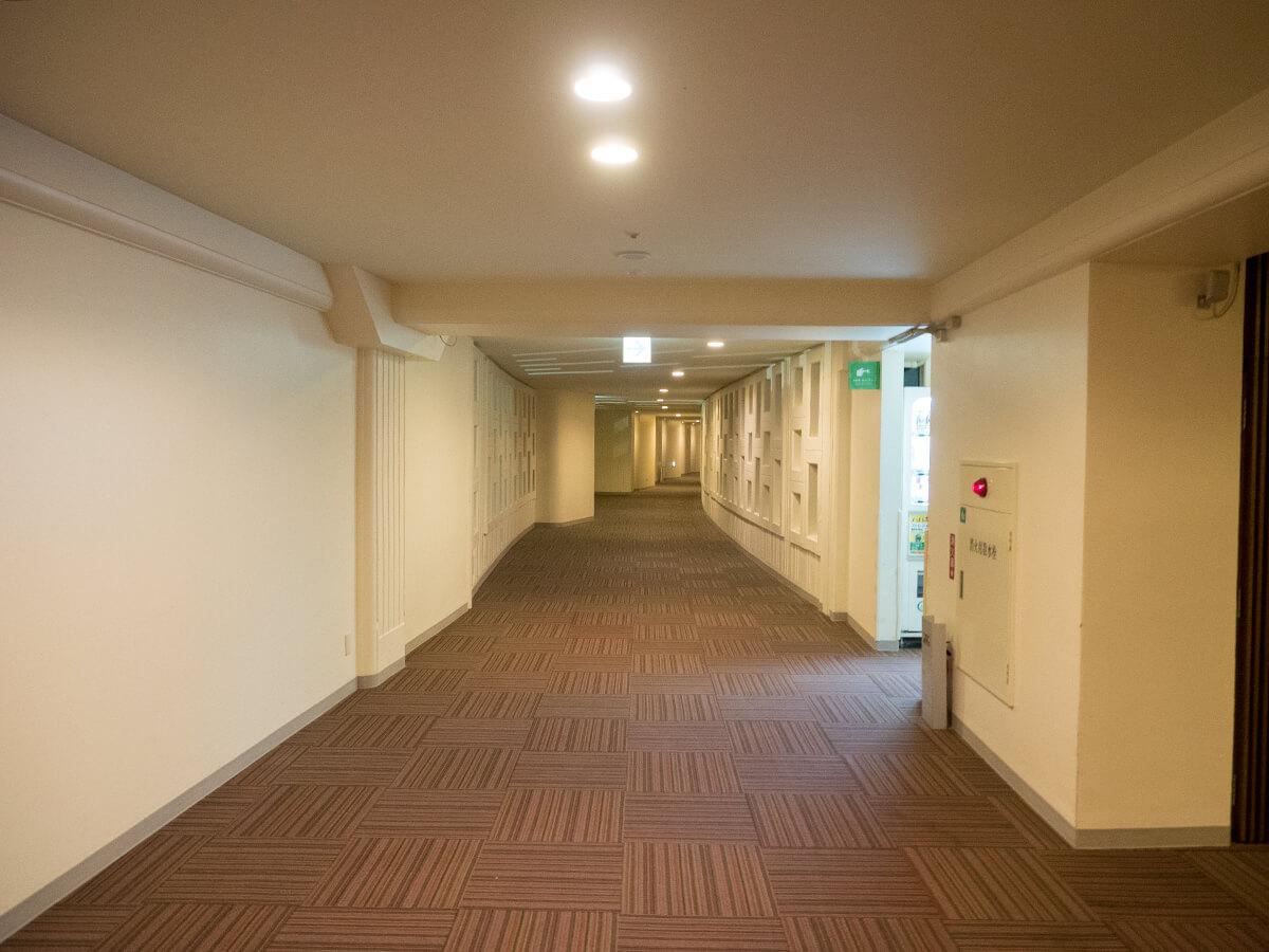 コスタビスタの廊下