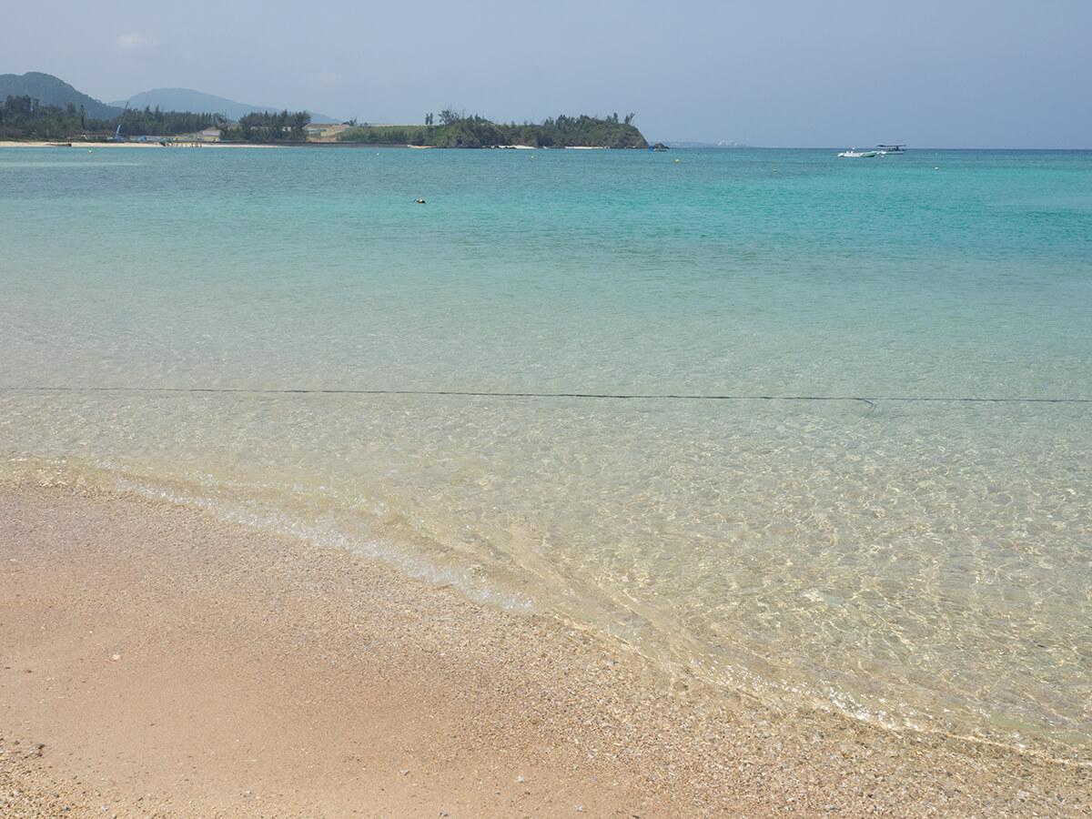 かりゆしビーチの海
