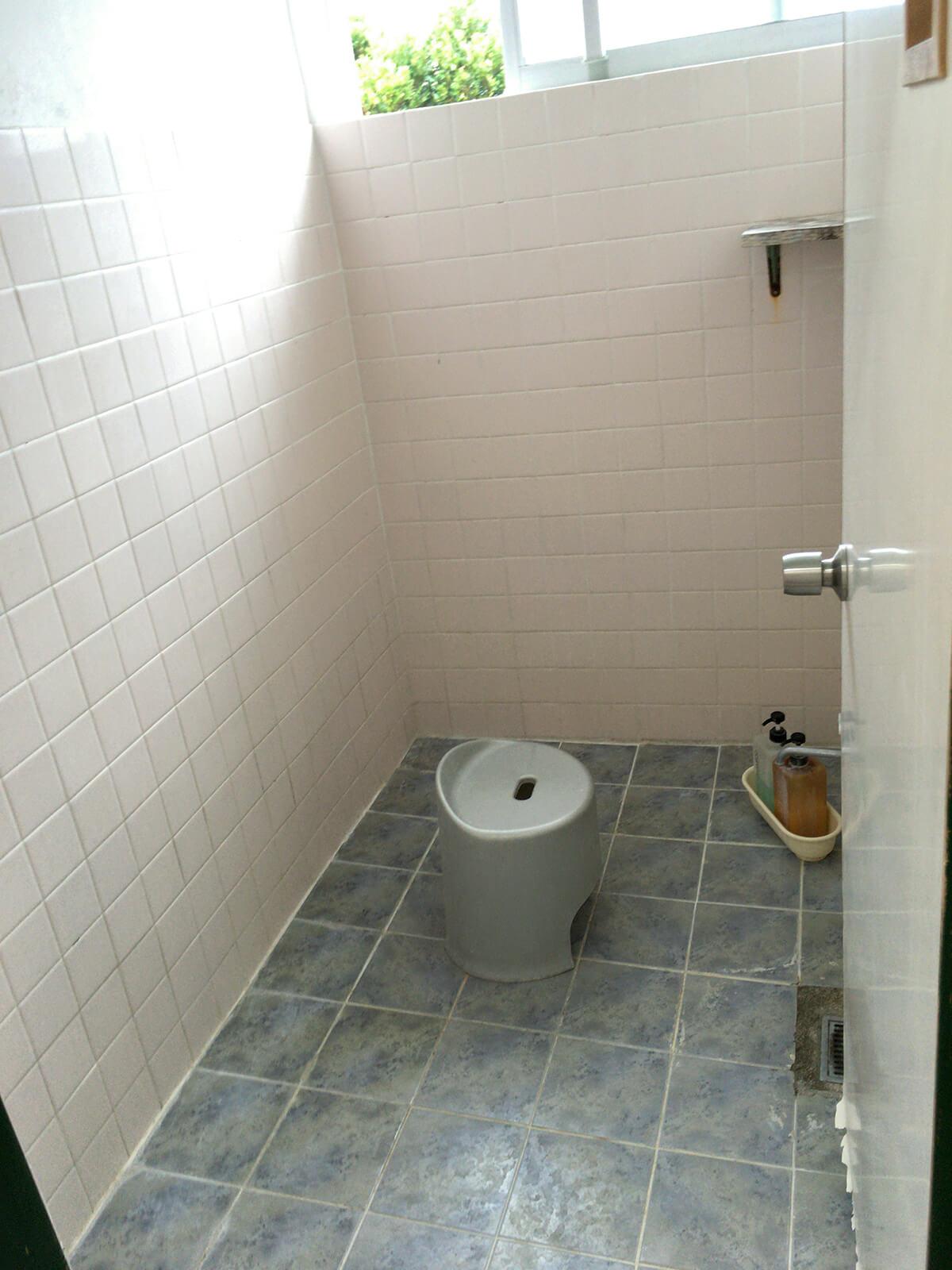 鍵付きのシャワー室