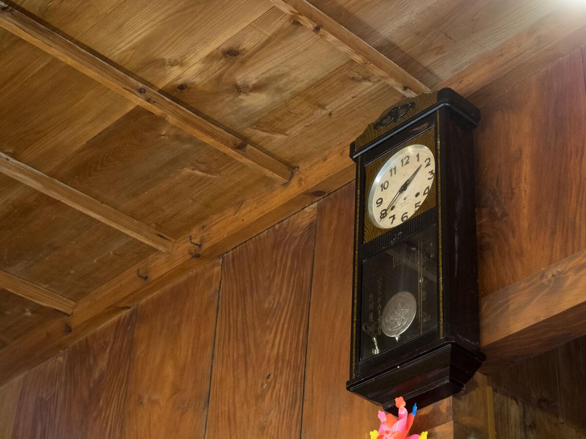 懐かしい柱時計