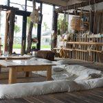 店内にはブランコ! 北谷・美浜の海沿いカフェ「ジャングリラ」