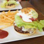 めちゃウマイ!巨大ハンバーガーが大人気の「キャプテンカンガルー 名護店」
