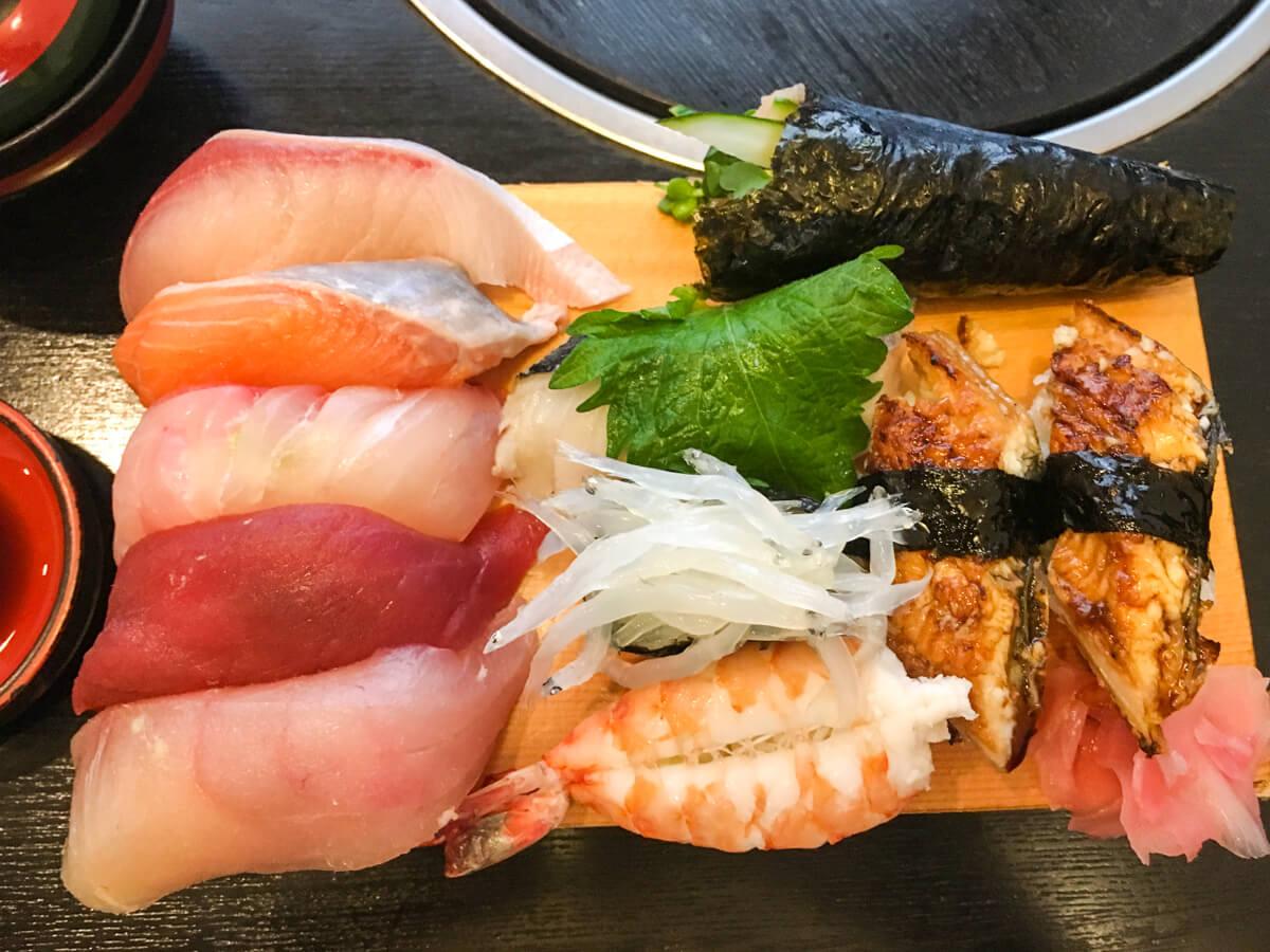 溢れそうなお寿司
