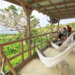 古宇利島のハンモックカフェ。のんびり海を見ながらランチできる「ガジュマルロック」がいい感じ〜