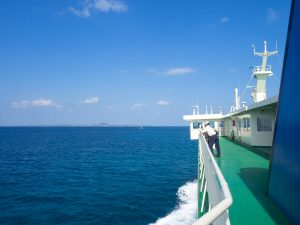 本部港から伊江島までのフェリー